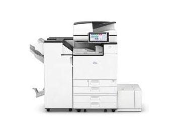 Fotocopiadora IM C3000 usada