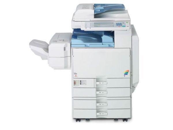 Fotocopiadora de Oficina Ricoh Aficio MP C2800